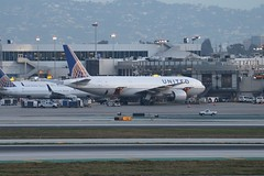 N780UA (atucker2976) Tags: triptocaliforniaspringbreakmarch2019 losangelesinternationalairportklaxlax losangelescalifornia boeing777222 unitedairlinesinc