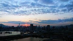 end of the day (Steve only) Tags: sony xperia xzs cellphone snap landscape cloud light sky sea harbour dusk sunset