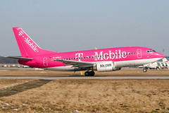D-AHLD (PlanePixNase) Tags: aircraft airport planespotting haj eddv hannover langenhagen hlx hapaglloyd express boeing 737500 b735 tmobile