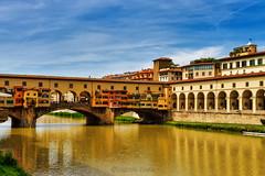 l'Arno Dorato - the Golden Arno (Eugenio GV Costa) Tags: approvato arno firenze fiume florence tuscany italy italia acqua river pontevecchio bridge cielo sky outside