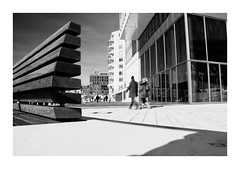 Objekte. (HansEckart) Tags: hafencity bw schwarzweis mono street streetphotograpy urban hamburg perspective outdoor