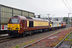 67021 92036 90035 0A06 Crewe (British Rail 1980s and 1990s) Tags: train rail railway loco locomotive lmr londonmidlandregion mainline wcml westcoastmainline cheshire livery crewe liveried traction station diesel pullman db dbc dbs cargo schenker ews electric ac 0a06 orientexpress britishpullman railfreight grey br britishrail 67 class67 convoy 90 92 class90 class92 67021 90035 92036