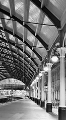 Central Station - Column and Arches (Gilli8888) Tags: rail railway cameraphone galaxy s7 samsung newcastleupontyne newcastle newcastlecentralstation centralstation building architecture roof curves columns angles geometric platform blackandwhite monochrome