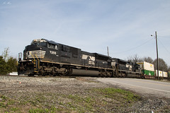 NS 201 (Z376-09) at Wauhatchie (travisnewman100) Tags: csx norfolk southern ns train railroad rr freight intermodal wauhatchie emd sd70ace sd70acu 201 z376 locomotive chattanooga tennessee subdivision central division