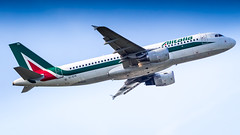 Airbus A320-216 EI-DTK Alitalia (William Musculus) Tags: plane spotting aviation airplane airport paris charles de gaulle roissy roissyenfrance lfpg cdg eidtk alitalia airbus a320216 aza az a320200 william musculus