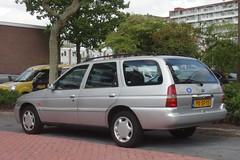 Ford Escort mk7 1.6i Ghia CTX Wagon 6-1-1997 PX-SF-15 (Fuego 81) Tags: ford escort mk7 wagon 1997 pxsf15 onk sidecode5 rj058v