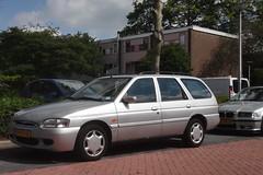Ford Escort mk7 1.6i Ghia CTX Wagon 6-1-1997 PX-SF-15 (Fuego 81) Tags: ford escort mk7 wagon 1997 pxsf15 onk sidecode5 20fkjp