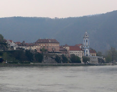 Hotel Schloss Durnstein with Monastery Durnstein (photo_paddler) Tags: europe austria wachauvalley village day spring color outdoor availablelight