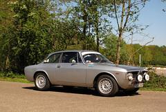1968 Alfa Romeo GT 1300 Junior (rvandermaar) Tags: 1968 alfa romeo gt 1300 junior alfaromeo alfaromeogt alfaromeojunior bertone alfagt alfajunior dcc83h
