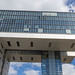 Eins der drei Kranhäuser mit Glasfassade von Architekt Alfons Linster & dem BRT-Architekturbüro, als architektonisches Unikat im Rheinauhafen in Köln