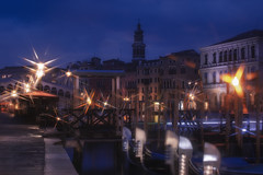 Venetian paths 161(Rialto) (Maurizio Fecchio) Tags: venice venezia italia italy city cityscape longexposure lights haidafilters haidafiltersitalia nopeople sunrise morning architecture bridge rialto gondola street nikon d7100 church