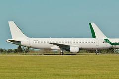 YL-LCN . EX SmartLynx Airbus A320-211 at ASI , Kemble . (Bob Symes) Tags: yllcn a320 a320211 662 asi kemble