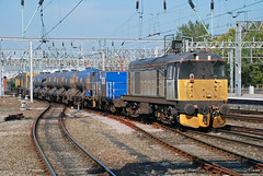 20901 3S71 Crewe (British Rail 1980s and 1990s) Tags: wcml westcoastmainline mainline crewe station ee englishelectric type1 br britishrail diesel 20 class20 railfreight grey rhtt railheadtreatmenttrain 3s71 train rail railway loco locomotive lmr londonmidlandregion cheshire livery liveried traction freight