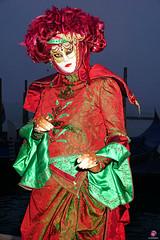 QUINTESSENZA VENEZIANA 2019 714 (aittouarsalain) Tags: venezia venise carnevale carnaval costume masque chapeau regard