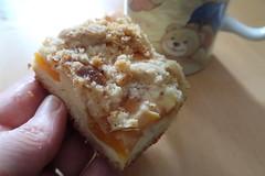 Käse-Aprikosen-Kuchen vom Blech (multipel_bleiben) Tags: essen zugastbeifreunden kuchen obst käsekuchen