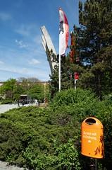 BSR Mülleimer Werbung 12.5.2019 (rieblinga) Tags: bsr mülleimer werbung tempelhof platz der luftbrücke gedenkfeier 1252019 70 jahre