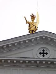 Statue on top of Cathedral in Bergamo (litlesam1) Tags: churches italy2019 duepazziragazziamilano2019 march2019 bergamo