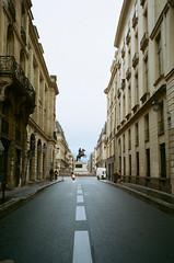 Louis XIV (J-CIO) Tags: 2019 analog film france kodak leica leicam6 paris portra400 summilux35mm