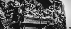 (AAcerbo) Tags: themetropolitanmuseumofart newyorkcity manhattan nyc museum art sculpture bw bokeh dof