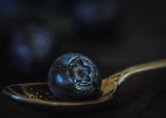 Blueberry - HMM (Matthew Johnson1) Tags: bokeh close macro blueberry blue fruit macromondays aspoonful sigma 105 canon 700d lowkey droplet water silver