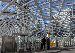 Metrostation Den Haag Centraal (1) (Pieter Musterd) Tags: pietermusterd musterd canon pmusterdziggonl nederland holland nl canon5dmarkii canon5d denhaag 'sgravenhage thehague lahaye metro denhaagcentraal openbaarvervoer publictransport elijn