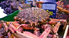 Krabbe / Crab (schreibtnix on'n off) Tags: reisen travelling europa europe spanien spain bilbao gebäude building markt market merkatualariberea krabbe crab olympuse5 schreibtnix