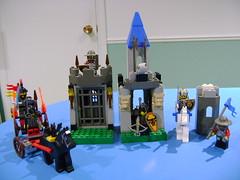 Vintage Lego set 6027 6094 6027 Bat Lord's catapult, Guarded treasure, King Leo, castle series 1997 2000. (TekBrick) Tags: vintage lego brick sets set castle series 6027 6094 6026 year 1997 2000 minifigsknights catapult king leo guarded treasure