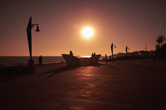 Sunset... (hobbit68) Tags: fujifilm xt2 novo sancti petri sonne sun sunset spanien spain people menschen espagne espana espanol andalusien andalucia sonnenschein sommer sonnenuntergang strand sunshine sky sand summer himmel holiday urlaub silhouette shadows schatten