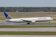 N66051 - 2000 build Boeing B767-424ER, smoky arrival on Runway 08R at Houston (egcc) Tags: 0051 29446 799 b764 b767 b767400 b767424er boeing bush houston iah intercontinental kiah lightroom n66051 staralliance texas ua ual united unitedairlines