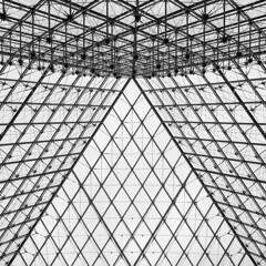 Museé du Louvre (mireiatarres) Tags: paris architecture building edificio construcción estructura arquitectura art design formas
