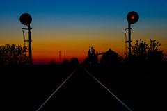 Midwest Vibes (BravoDelta1999) Tags: unionpacific up railroad chicagoandnorthwestern cnw railway harvardsubdivision sharon wisconsin searchlight signal