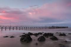 Pôr do sol incrível - Amazing sunset (adelaidephotos) Tags: pirangi pôrdosol sunset praia beach pier pedras rocks mar sea nuvens clouds riograndenonorte brasil brazil mariaadelaidesilva
