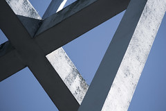 To Believe - 40/100x (eskayfoto) Tags: canon eos 700d t5i rebel canon700d canoneos700d rebelt5i canonrebelt5i abstract lightroom 100x 100xthe2019edition 100x2019 image40100 sk201905129215editlr sk201905129215 lines structure sky blue concrete