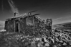 Des res (images@twiston) Tags: desres desirable residence gayle beck gaylebecklodge forgotten unloved abandoned ruin derelict imagestwiston hunting lodge building dramatic blue sky yorkshire northyorkshire ribblesdale dales national park yorkshiredalesnationalpark fields grass farm farmland moorland moor landscape fells stonework godsowncountry godsowncounty nisi nisifilters gnd neutraldensity grad polarizer cpl bw mono blackandwhite noirblanc monochrome
