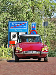 Citroën DS19 Pallas / Snoek (Mattijsje) Tags: snoek pike citroën citroen ds 19 breukelen red car auto nostalgic nostalgie oldtimer