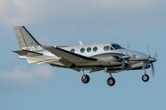N730JA King Air C90 (SamCom) Tags: be9l lovefield dallaslovefield kdal dal n730ja kingair c90
