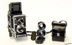 Mamiya C33. (donaldpoirier93@yahoo.fr) Tags: mamiya mamiyac33 appareilphoto collector collectionneur collection collectiondecaméras camera collectiondappareilsphoto collectiondecameras caméra kamera folding bellows fondblanc n°835 film120
