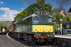 D7628 Class 25 Sulzer NYMR_E5A4077 (Jonathan Irwin Photography) Tags: d7628 class 25 sulzer nymr north yorkshire moors railway steam trains heritage diesels grosmont station semaphores tunnel heartbeat national park historic carriages pullman dining train
