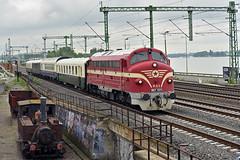 M61 001 különvonattal / mit Sonderzug / special train & 377,458 steamlok-monument (Csundi) Tags: railroad nohab sonderzug budapest hungary gm