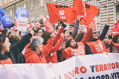 DSCF7255 (Alessandro Gaziano) Tags: alessandrogaziano foto fotografia manifestazione manifestazioni roma visioni colori colors gente people diritti italia italy corteo sindacato febbraio