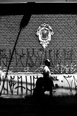 0483 2 (*Ολύμπιος*) Tags: sãopaulo people persone persons pessoas cidade city città cittè ciudad ciutat street streetphotography streetlife streetphoto gente girl garota giovanni girls garotas fotoderua foto femme domingo domenica daybyday diaadia donna woman women mulher man belavista bixiga pb pretoebranco bw biancoenero bn blackandwhite noiretblanc