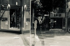 Taipei (Vanssk8) Tags: taiwan taipei streetsnap streetsnaps streetphotography blackandwhite people nikond700 nikon zeisslens 50mm