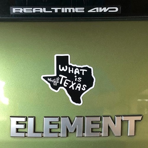 The #questermobile with #whatistexas #magnet : #honda #element #2006element #elementownersclub #hondaelement #hondaelementownersclub