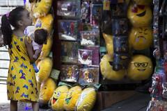 0544 (*Ολύμπιος*) Tags: sãopaulo people persone persons pessoas cidade city città cittè ciudad ciutat street streetphotography streetlife streetphoto gente girl garota giovanni girls garotas fotoderua foto femme domingo domenica daybyday diaadia donna woman women mulher man