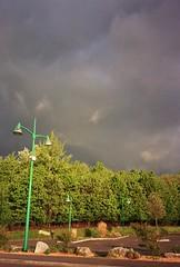 (CroytaqueCie) Tags: fujidl300 fujifilmsuperiaxtra400 clouds cloudy nuageux lampadaire lampadairevert