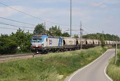 Doppio colpo in Alessandria... (Maurizio Zanella) Tags: treni trains ferrovia railways locomotiva locomotive locoitalia inrail e191103 euc61636 italia alessandria astuti