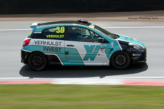 Michelin Clio Cup series - Tony Verhulst ({House} Photography) Tags: michelin clio cup series race racing motorsport motor sport panning motion renault french brands hatch uk kent fawkham circuit track housephotography timothyhouse canon 70d 70200 f4