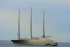 P1010445 (alainazer2) Tags: marseille provence france mer mare sea eau acqua water ciel cielo sky bateau boat yacht