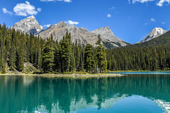 Maligne Lake (10000 wishes) Tags: spiritisland reflection mountains canada seethrough water forest naturallight beauty scenic trees nature