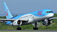 G-BYAW (AnDyMHoLdEn) Tags: 23l thomson tui 757 egcc airport manchester manchesterairport